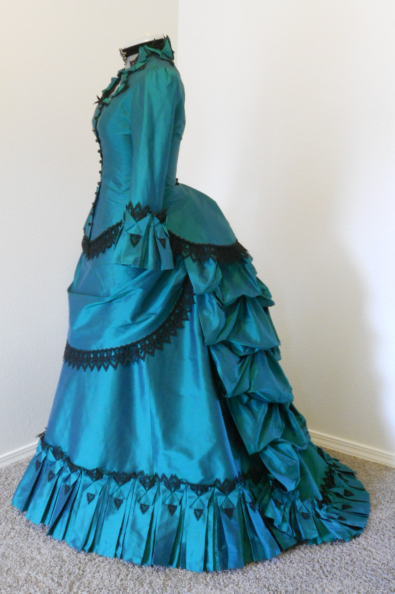 A wonderful start from buying Victorian Dress