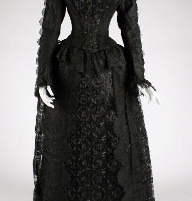 a-wonderful-start-from-buying-victorian-dress