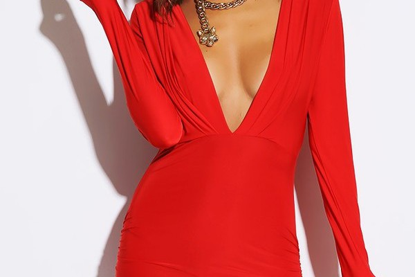 advantages-of-choosing-red-mini-dress