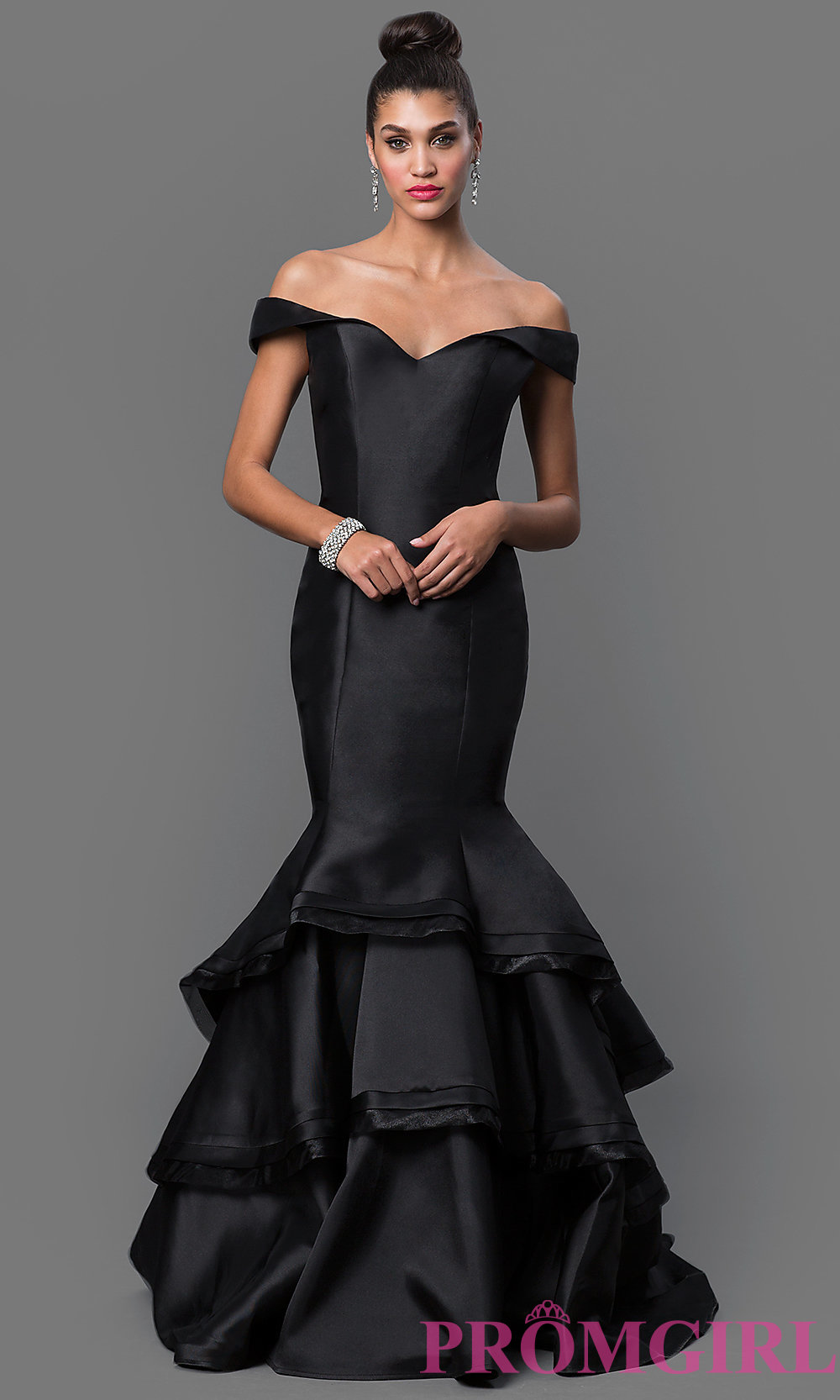 Perfect Black Mermaid Gown Illustration - Wedding and flowers ...