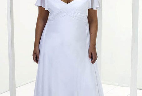 details-to-know-about-plus-size-wedding-dresses