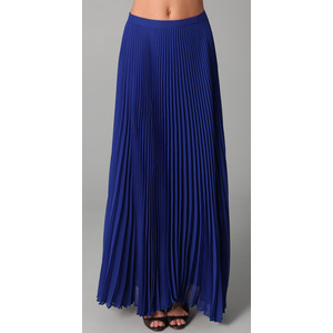 great-look-of-long-pleated-skirts