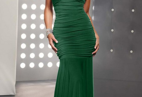 how-to-choose-suitable-style-of-green-prom-dresses