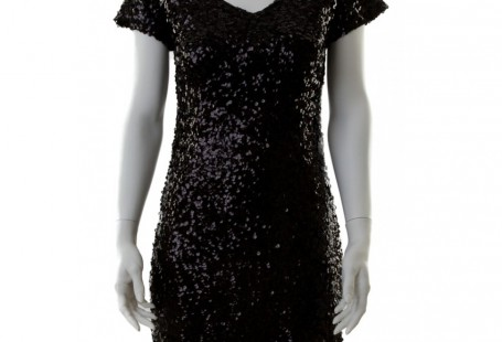 how-to-look-elegant-in-sequin-shift-dress