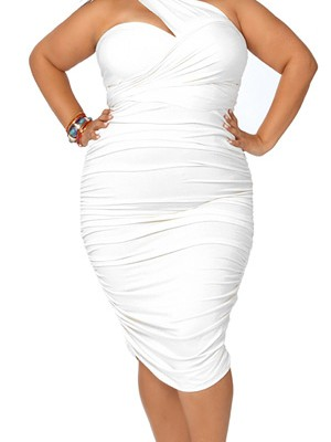 how-to-look-stunning-in-plus-size-cocktail-dress
