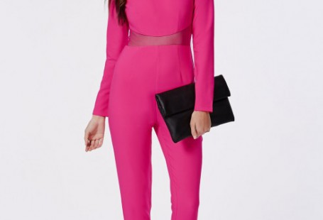 how-to-wear-a-pink-jumpsuit