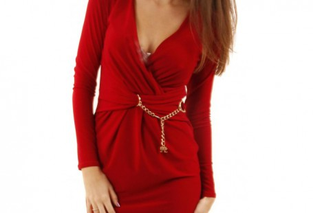 look-your-beauty-in-red-wrap-dress