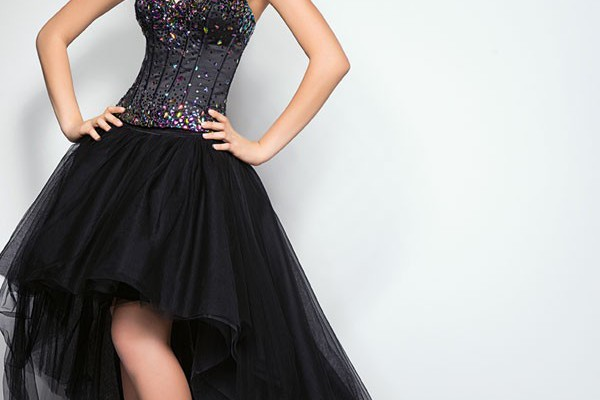 new-trend-of-corset-prom-dresses