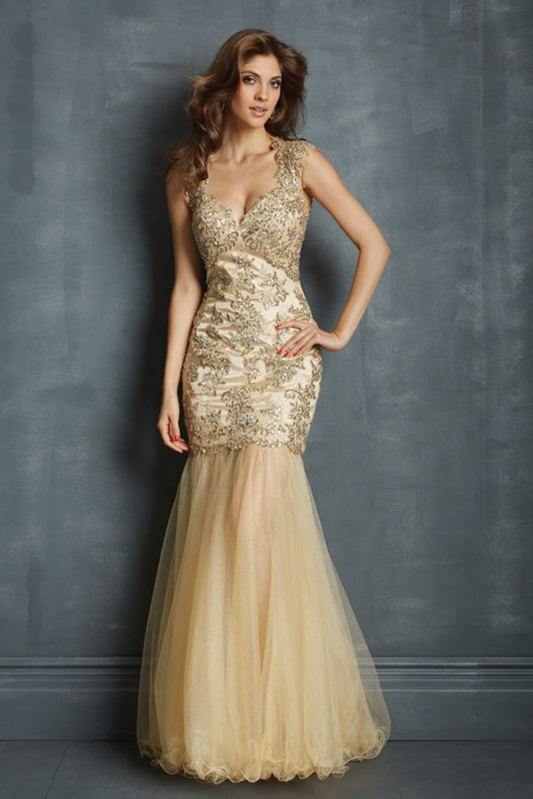 Pay more attention to champagne colored dresses 24 dressi champagne color wedding dresses ombrellifo Image collections