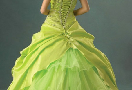 popular-designs-of-green-quinceanera-dresses