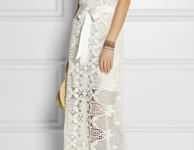 show-your-elegancy-in-white-lace-maxi-dress