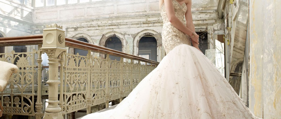 so-many-styles-of-lazaro-wedding-dresses
