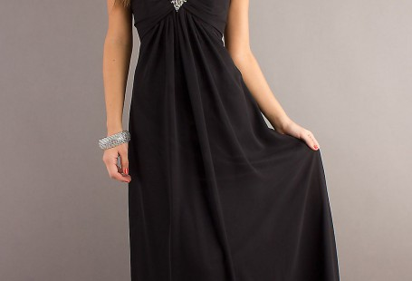 steps-of-finding-suitable-black-gown