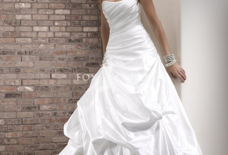 tips-for-choosing-taffeta-gown