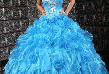 tips-for-finding-suitable-blue-quinceanera-dresses