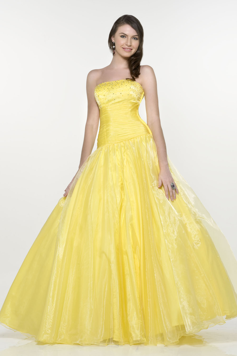 Turn your eyes to Yellow Gown - 24 Dressi