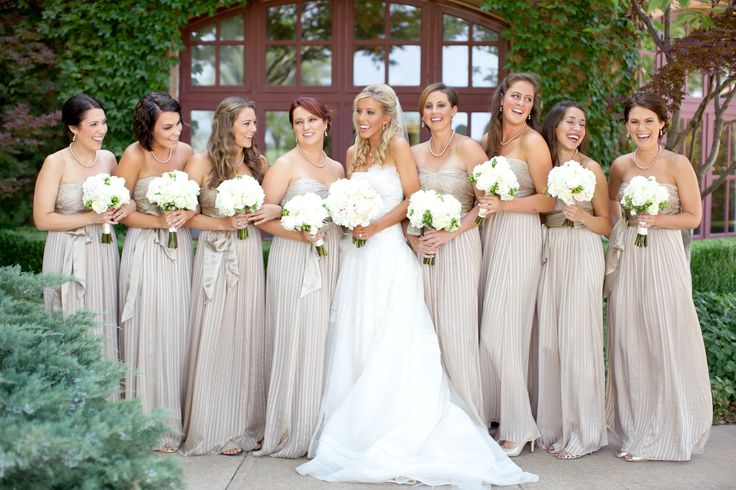 Useful Tips For Picking Champagne Bridesmaid Dresses
