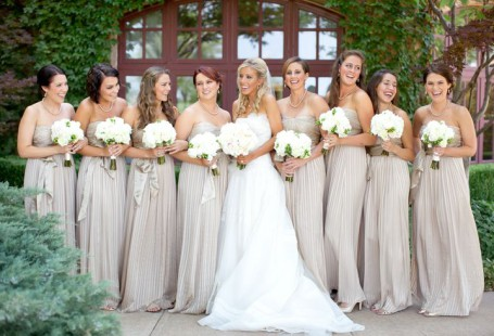 useful-tips-for-picking-champagne-bridesmaid