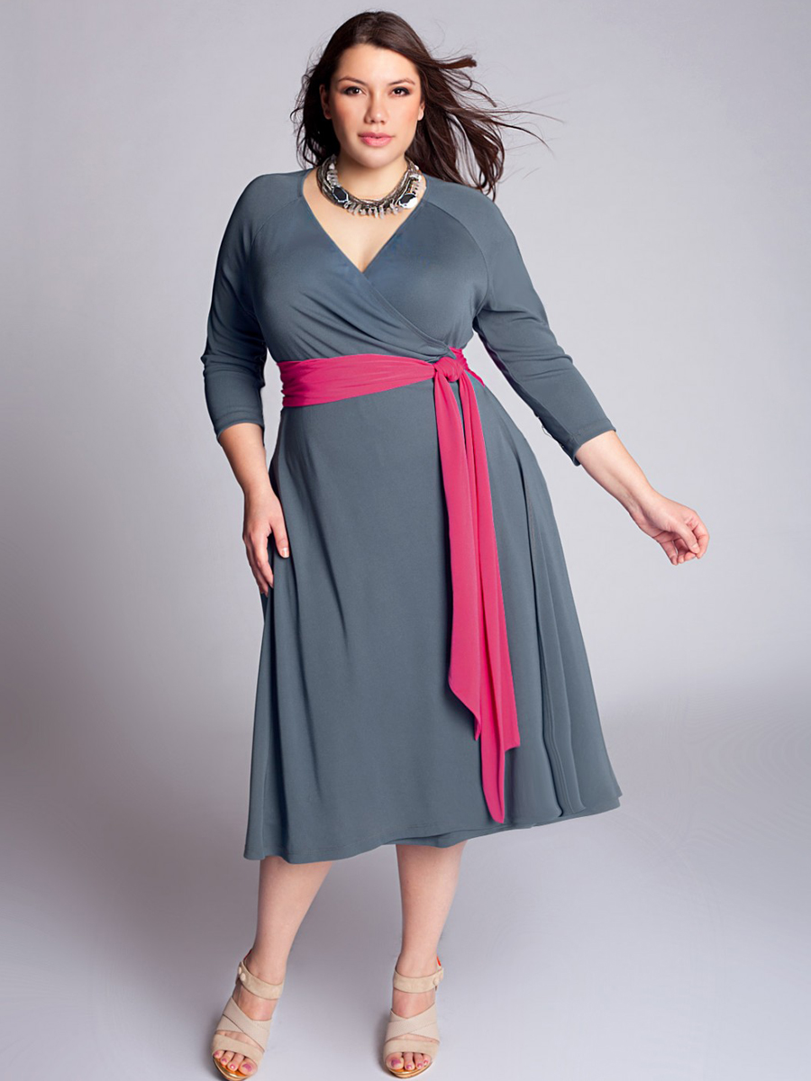 Amazing beauty of  Plus Size Dresses with Sleeves