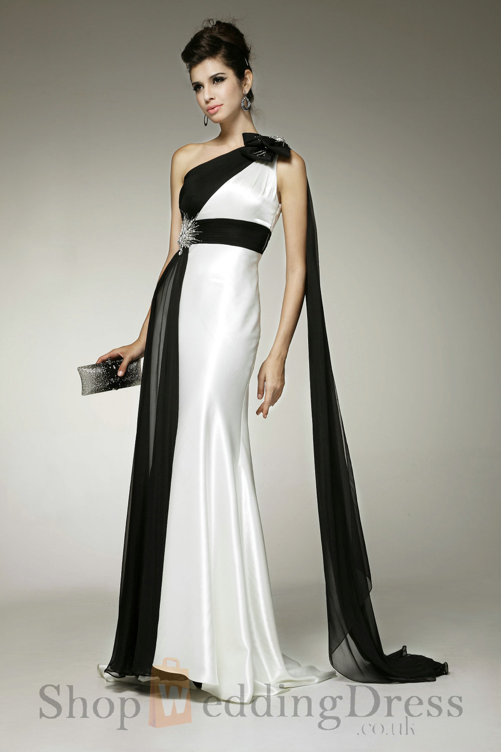 How to wear Party Gowns - 24 Dressi