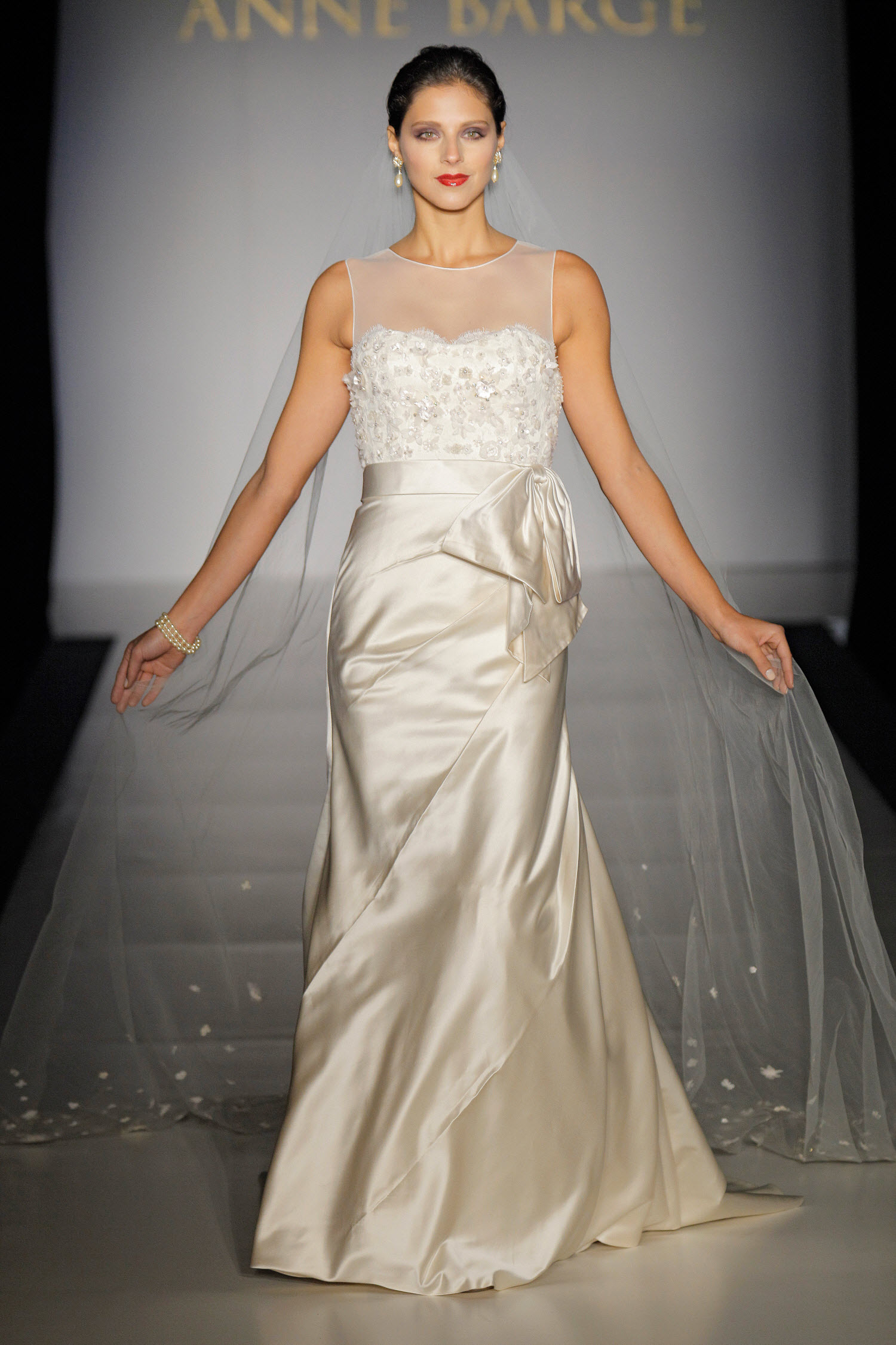 Things to know before buying Ivory Gown - 24 Dressi
