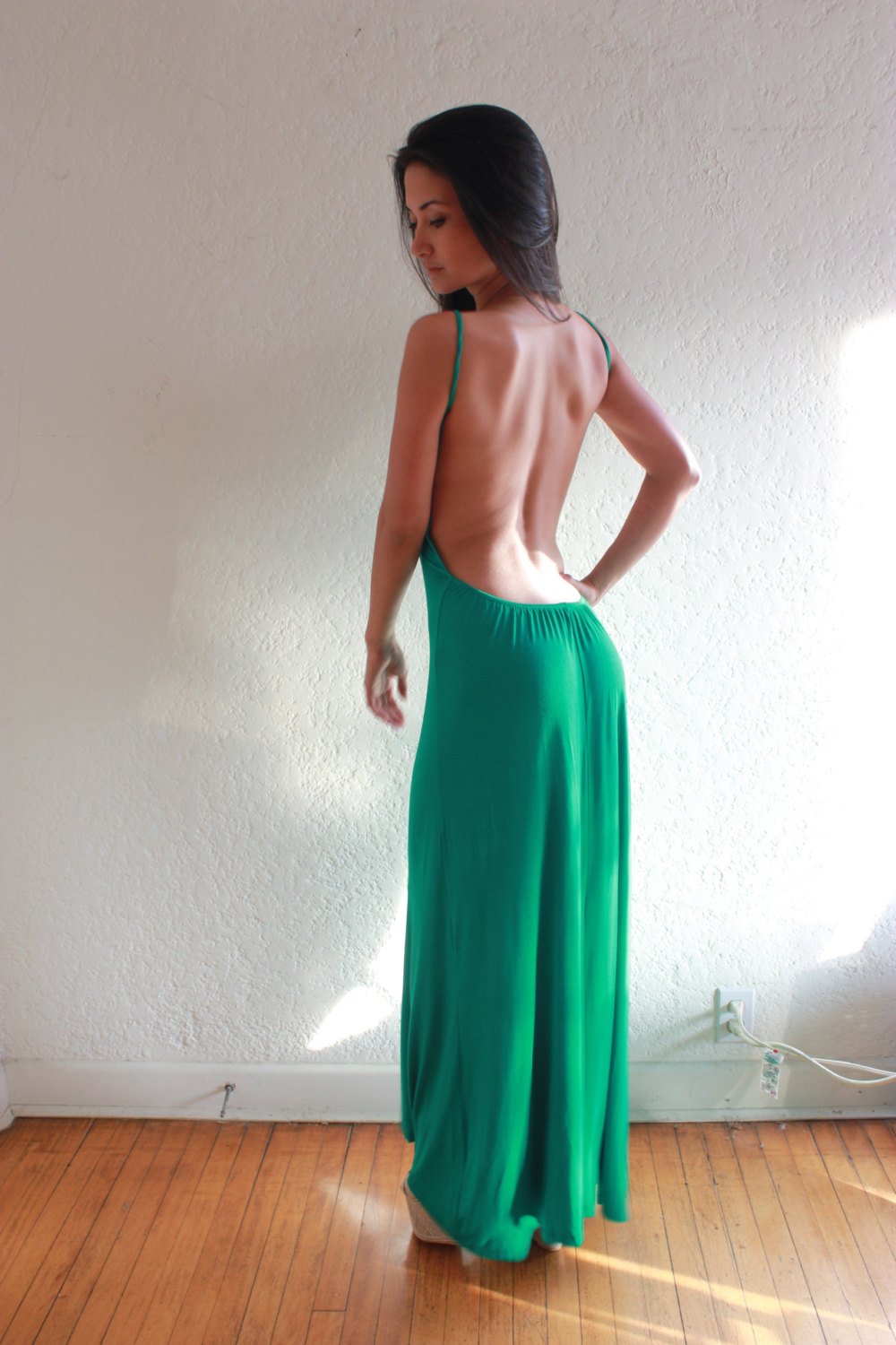 Tips for finding suitable  Backless Maxi Dress