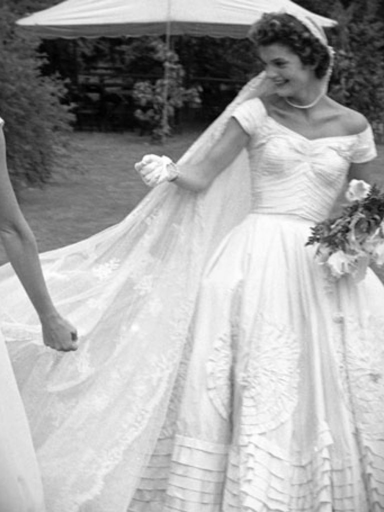 Caroline kennedy wedding dress designer 24 dressi for Caroline kennedy wedding dress