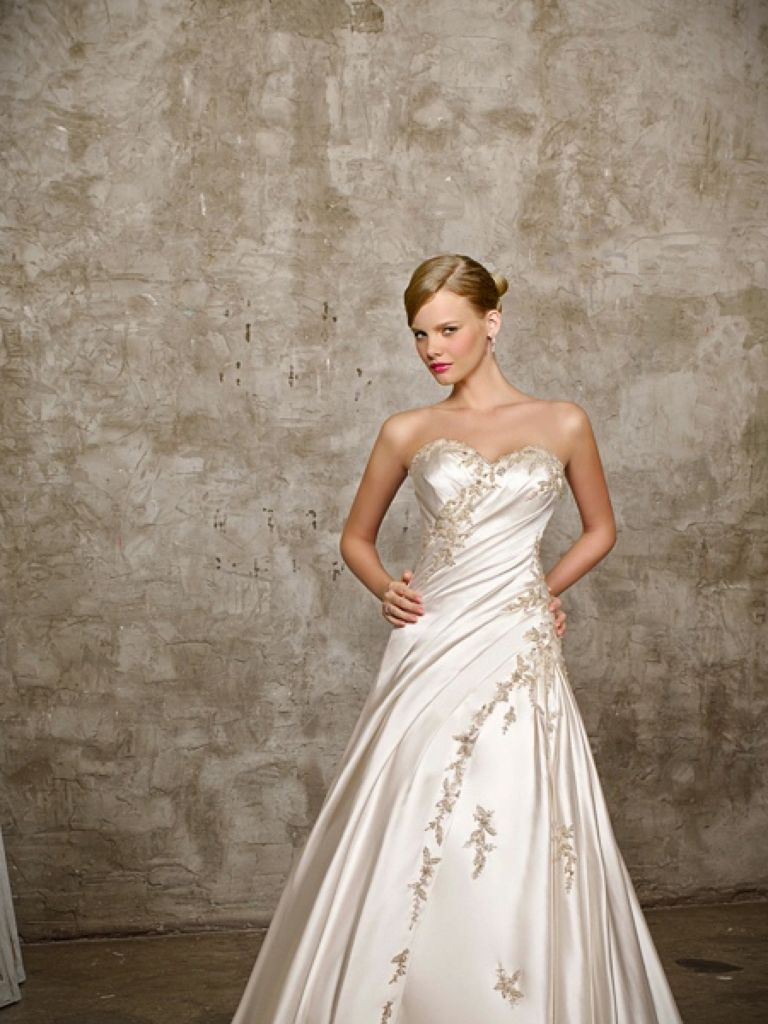 Wedding Dresses with Color Embroidery