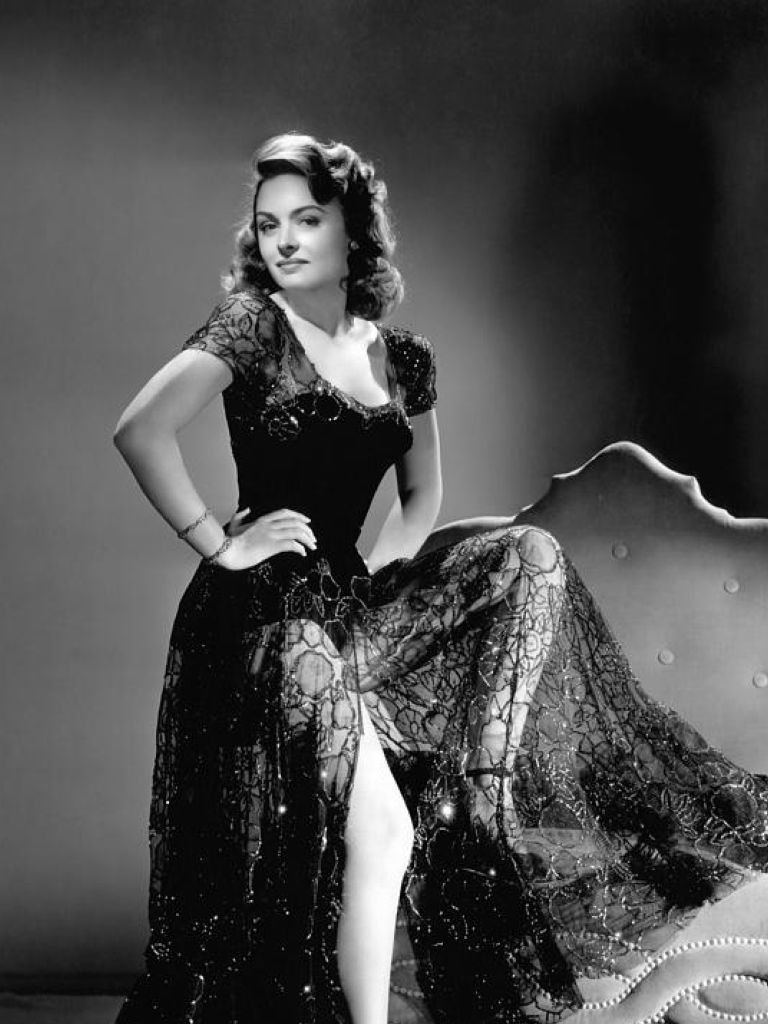 Donna Reed Style Dress & Elegant And Beautiful
