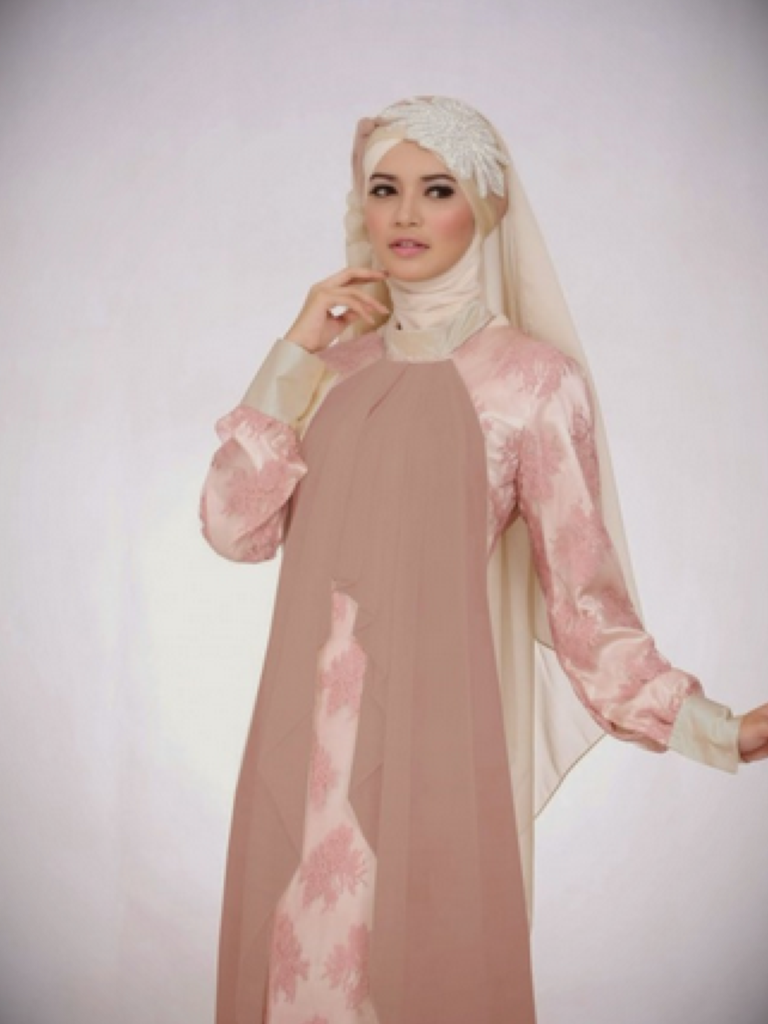Dress Untuk Ibu Hamil & Fashion Show Collection