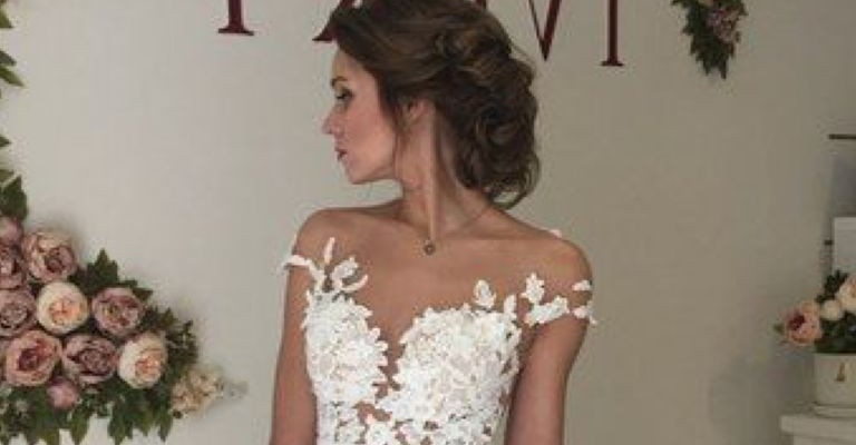 high-neck-wedding-dress-pinterest_11_1.jpg