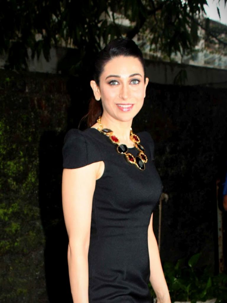 Karishma Kapoor In Black Dress