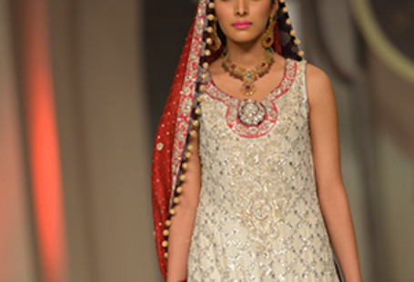 pakistani-latest-designer-dress_1_1.png