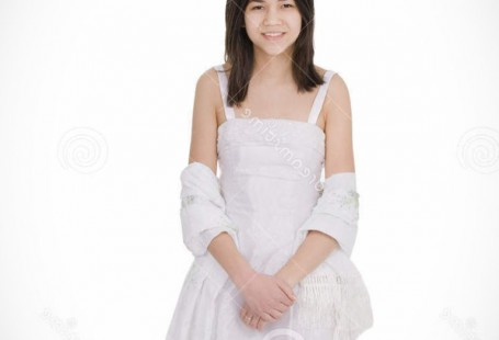 pretty-girl-in-white-dress-new-fashion-collection_1.jpg