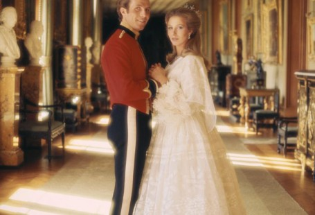 royal-looking-wedding-dress-how-to-get-attention_1.jpg
