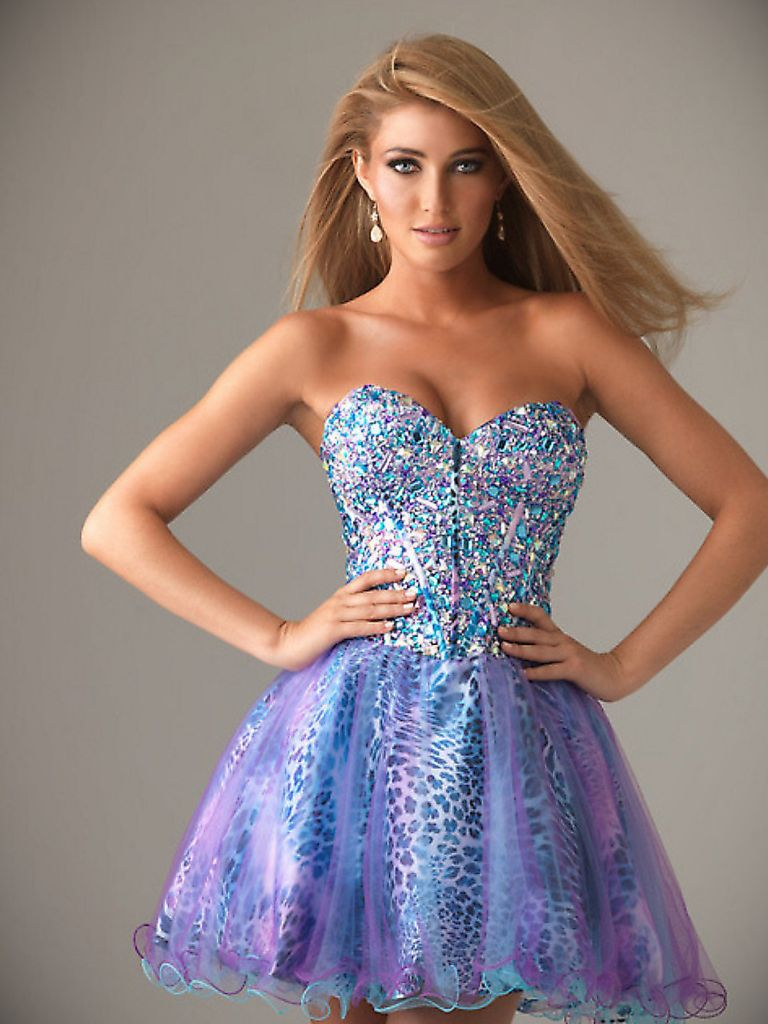 Short Dress Girl Photo - Always In Fashion For All Occasions