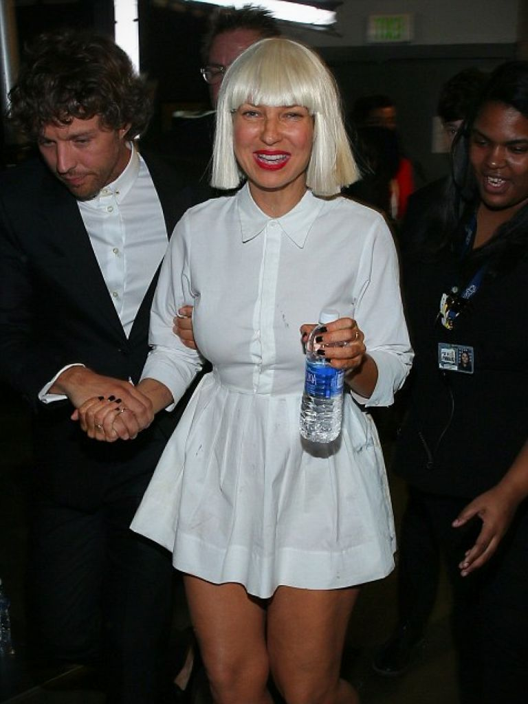 Sia Dressed In Black: Perfect Choices