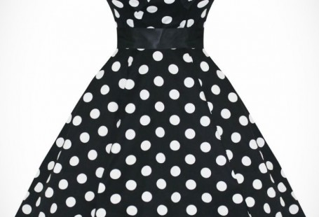 white-dress-with-black-dots-spring-style_1.jpg