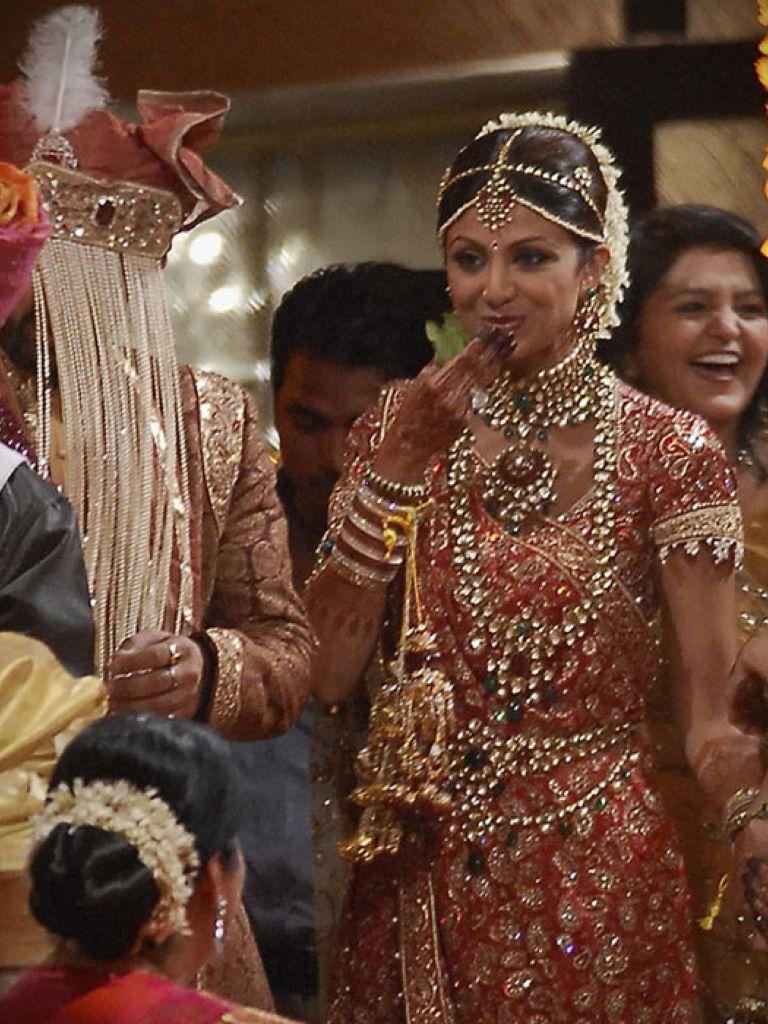 Aishwarya Rai Bridal Dress And Trend  2017-2018
