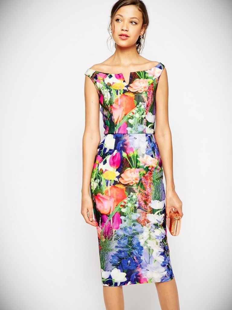 Blue Floral Bodycon Dress: How To Get Attention