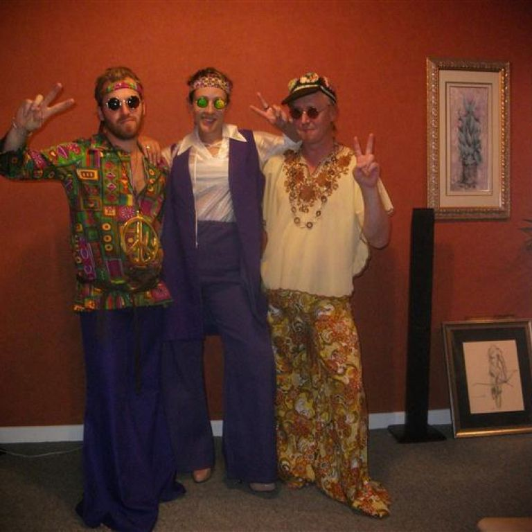 Trio Fancy Dress Costumes & Review 2017